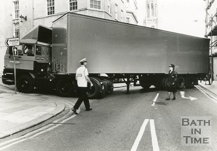 An articulated lorry getting stuck trying to turn into Upper Borough Walls from Northgate Street, Bath, 1989