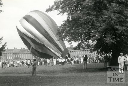 A balloon ascent at the Royal Crescent, Bath, 14 September 1986