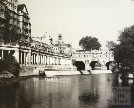 Pulteney Bridge, Grand Parade and weir, Bath
