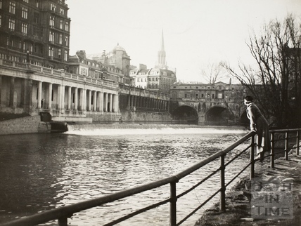 Pulteney Bridge, weir and Grand Parade, Bath c.1930