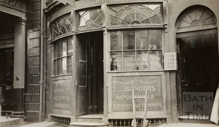 Argyle Wine Vaults, 9, Argyle Street, Bath c.1915