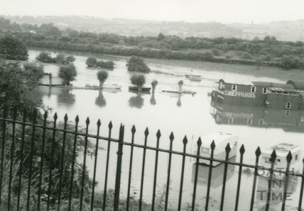Saltford in flood 1968