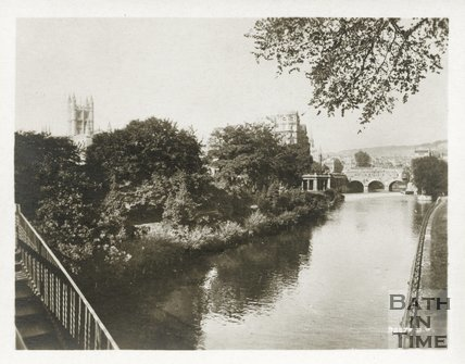 The Abbey, Empire Hotel and river Avon viewed from North Parade Bridge, Bath, c.1910s