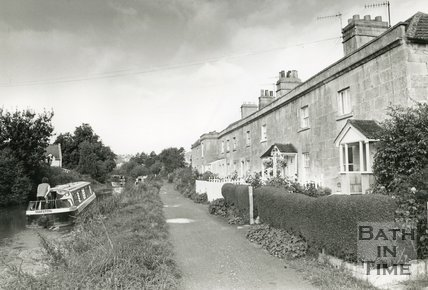 Bathampton Canal Cottages, December 1992