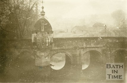 Bradford-on-Avon Town Bridge, 1945