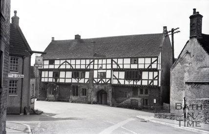 The George Inn, Norton St. Philip, Somerset, George Inn