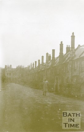 Wells, Vicar's Close, 1945