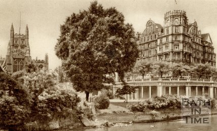 Bath Abbey and Empire Hotel from Parade Gardens, c.1940s