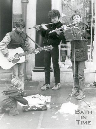 Schoolboy buskers, Milson Street, Bath, 23rd December 1983