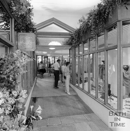 Pulteney Bridge Flowers, Madeleine Ann, Shires Yard, Bath, c.1989