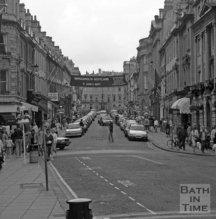 A busy shopping day on Milsom Street, Bath, 1989.