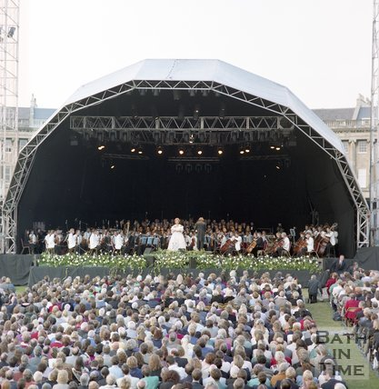 Dame Kiri te Kanawa onstage in front of the Royal Crescent, Bath, Sunday, 5th September 1993