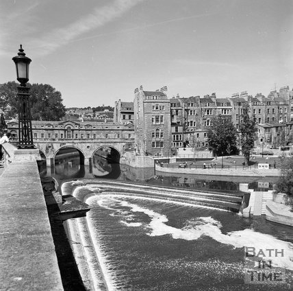 The Weir and Pulteney Bridge viewed from Grand Parade, c.1977