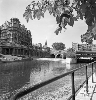 The Empire Hotel and River Avon from the river bank, Bath, c.1977