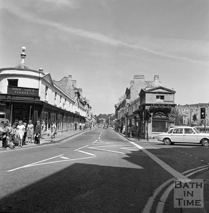 Pulteney Bridge from Bridge Street, Bath, c.1977