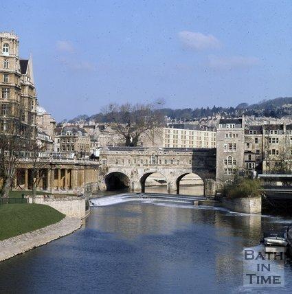Pulteney Bridge and weir, Bath, c.1975