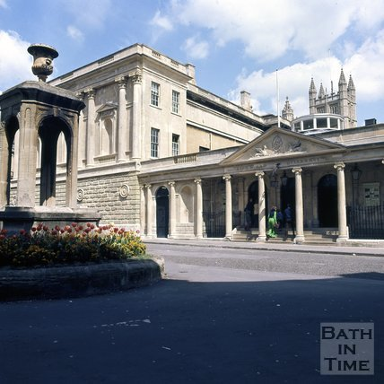 The newly cleaned Pump Room, Stall Street, Bath, c.1976