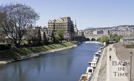 The River Avon with Pulteney Bridge in the background, Bath, c.1980