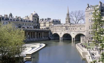 The River Avon and Pulteney Bridge, Bath c.1980