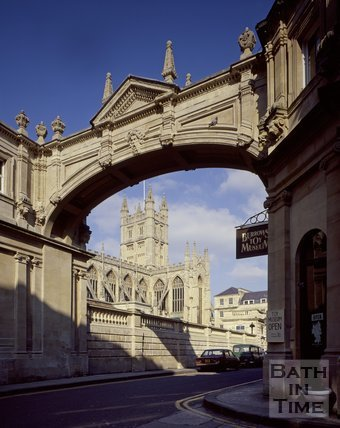 The classic view of Bath Abbey from York Street, c.1978