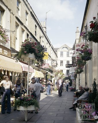 A view of a busy Northumberland Place, Bath, c.1975