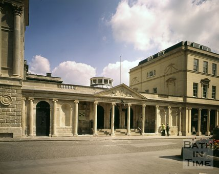 The Mineral Fountain, Pump Room and entrance to King's and Queen's Baths, Union Street, Bath, c.1976