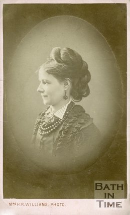Portrait of Laura Thomas