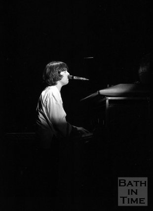 Peter Gabriel in concert, Bath Sports Centre, 1 November 1977