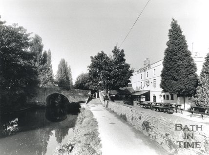 The Dolphin Inn on the Avon Navigation, Bath, 1992