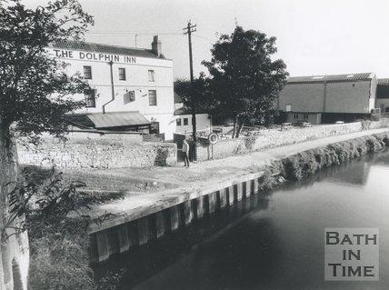 The Dolphin Inn, Locksbrook Road, Bath, 1992