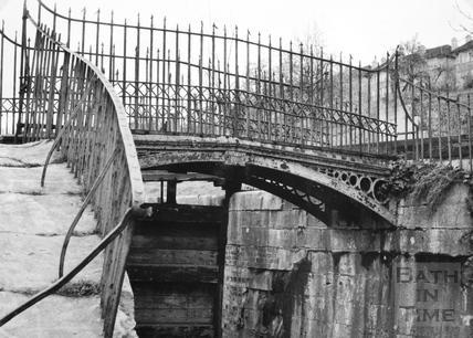 Wash House Lock and bridge, Widcombe, Bath 1956