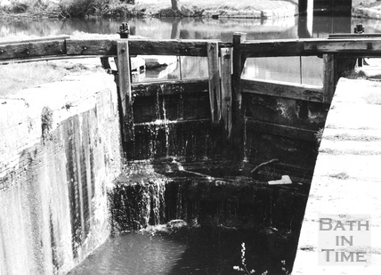 Downstream face of head gates of Chapel Lock, Widcombe, Bath 1956
