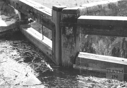 Upstream side of head gates of Abbey View Lock, Bathwick, Bath 1956