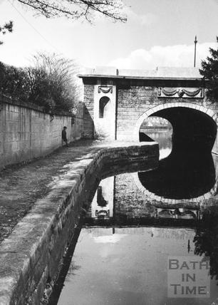 Bridge over the Kennet and Avon Canal, Sydney Gardens, Bathwick, Bath 1956