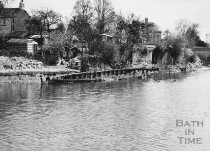 Derelict barge on east side of Kennet and Avon Canal approx 250ft north of Beckford Road tunnel, Bathwick, Bath 1956