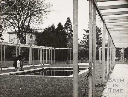 Memorial to King George V, Henrietta Park, Bath