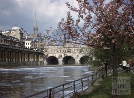 Pulteney Bridge and Grand Parade, Bath c.1964