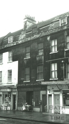 The Black Dog, 4, Walcot Buildings, London Road, Bath 1966