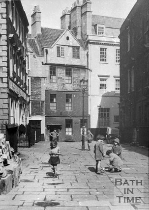 Children playing in North Parade Buildings (Gallaway's Buildings), Bath, c.1930s