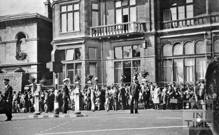 The Empire Hotel and police station, Orange Grove, Bath, c.1940