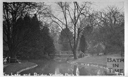 The lake and bridge, Royal Victoria Park, Bath, c.1920s