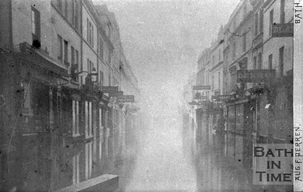 View down Southgate Street during the Great Flood of 1894?