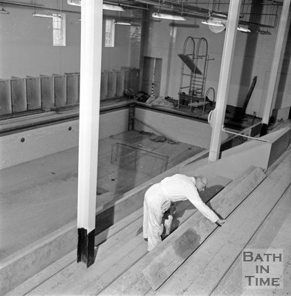 Beau Street Baths being redecorated, 26 January 1972
