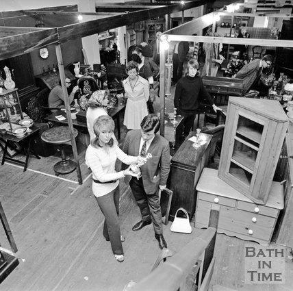 Guinea Lane Antiques Market, 1 June 1972