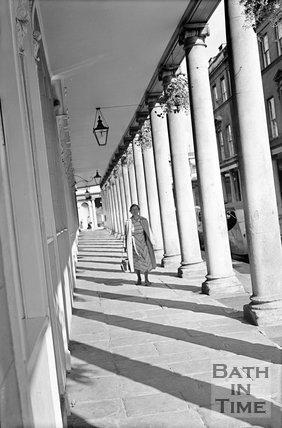 View down the Colonnade, Bath Street, Bath, 17 September 1954