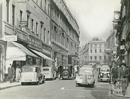 View up Union Street, Bath, c.1940s