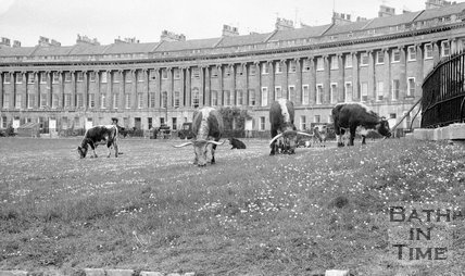 Filming The Bawdy Adventures of Tom Jones at the Royal Crescent, Bath, 10 May 1976