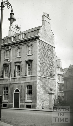 The Chandos Arms, 27, Westgate Buildings, Bath c.1965
