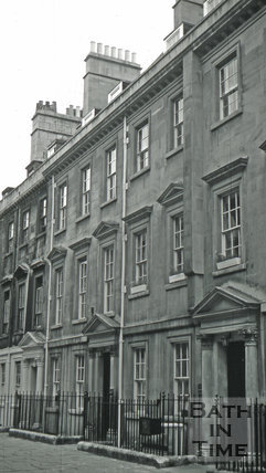 The Queen's Arms/The Sterling Tavern/The North Parade Tavern, 4, North Parade Buildings (Gallaway's Buildings), Bath 1966