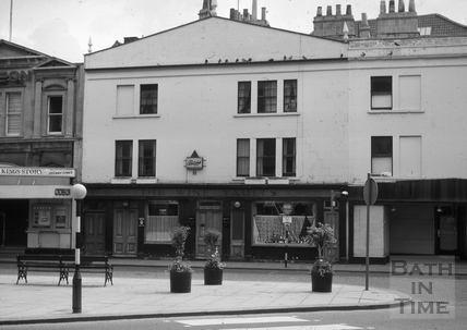 Oliver's Wine Vaults/The Wine Vaults, 17 & 18, Southgate Street, Bath 1965